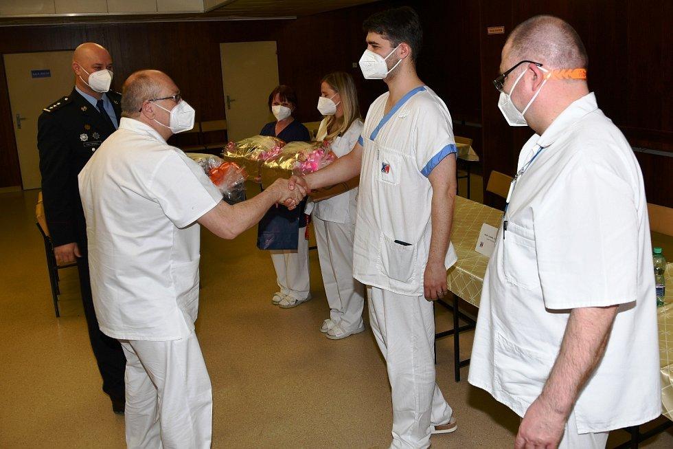 Ocenění statečných zaměstnanců krnovské nemocnice