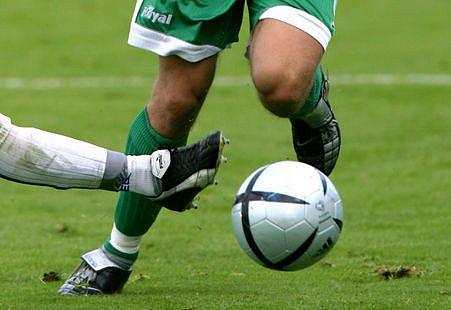 Násilí na fotbalových trávnících se stupňuje.