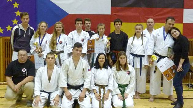 Nemalou měrou se o vítězství České republiky zasloužila také reprezentace z krnovské Školy Jiu-Jitsu a Karate Krnov.