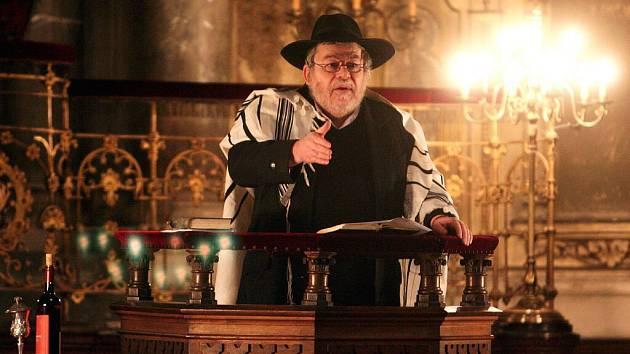 KAROL EFRAIM SIDON se v krnovské synagoze ujme přednášky o velkém židovském mystiku a stvořiteli Golema rabím Löwovi.