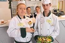 Zástupci osmi škol z Moravskoslezského a Olomouckého kraje se utkali ve středu v Bruntále o Zlatou vařečku.