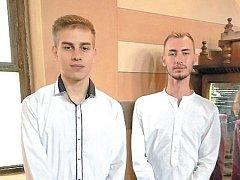 Krnovští gymnazisté Tomáš Kostelník a Benjamin Fojtík.