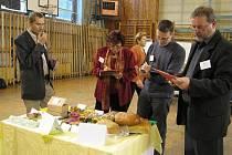 Porotě gastronomické soutěže Potravinářský výrobek roku 2009 můžeme její práci jen závidět.
