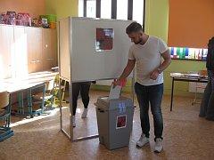 Luděk Matějíček z Krnova se do voleb zapojil nejen jako volič, ale také jako nejmladší kandidát v okresu Bruntál.