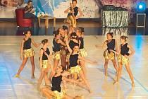 Zlatý Saxofon. Tato choreografie bruntálské taneční školy měla v Opavě obrovský úspěch. Juniorky vytancovaly účast na Mistrovství Moravy.