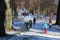 Novoroční výstup na Uhlířský vrch v Bruntále. Na Nový rok ve středu 1. ledna se konal třicátý ročník.