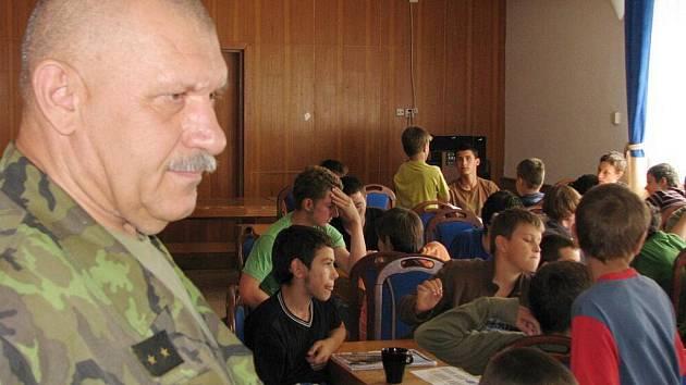 Veterán zahraničních misí, velitel kontingentů podplukovník Jaroslav Kulíšek.