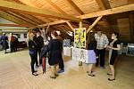 Vernisáž výstavy v galérii na půdě základní školy Lichnov otevřela výstavu Dětská výtvarná tvorba 2021.