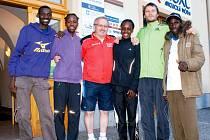 Ozdobou čtyřicátého ročníku Mezinárodního večerního běhu Bruntálem byli keňští běžci a běžkyně.