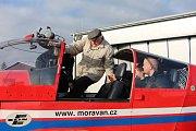 Vyhlídkový let nad Krnovskem si přál Karel Komínek z krnovského domova pro seniory. Přání se mu splnilo díky projektu Ježíškova vnoučata.