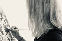 Radmila Měsícová z Krnova zjistila, že ji malování úplně pohltilo.