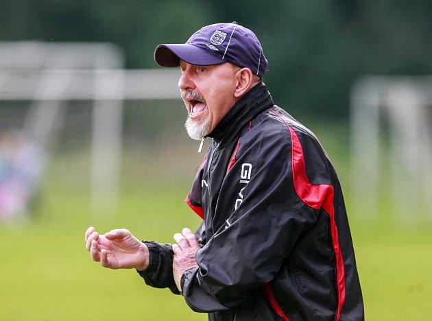 Trenér Krnova Ladislav Bártek mohl být se třemi body proti Českému Těšínu spokojen. Foto: