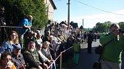 Osmdesáté výročí Liptaňské tragédie kromě pietního kladení květin k památníkům letos provázela také rekonstrukce této události.