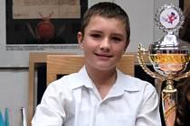 Jakub Slovák z Rýmařova, jedenáctiletý student primy tamního gymnázia a mistr světa v moderním tanci.
