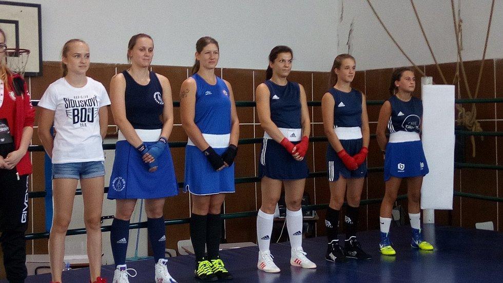 Veronika Zajícová (druhá zprava) v Bratislavě čelila velké konkurenci.