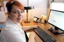 Lucie Erbenová je příjemnou ženou, se kterou se výborně povídá. Noblesní dáma má ten dar, že umí podřízené motivovat k jejich osobnímu rozvoji.