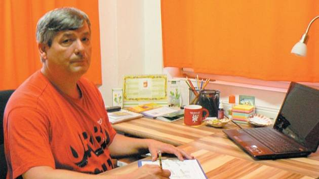 Milan Dominik Šimčák z Krnova je jedním z Erbenových žáků a zastánců. Proto v Krnově založil pobočku pražského poradenského centra Paralelní péče o zdraví.
