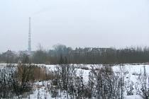 Kontaminované pozemky, na kterých kdysi stávala Slezská komerční slévárna, jsou na prodej. Zastupitelé schválili záměr koupit pět hektarů za 15 milionů korun. To odpovídá ceně 300 korun za metr.