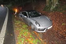 Vzhledem k cenám automobilů Porsche vznikla při této dopravní nehodě celková škoda ve výši 4,8 milionu korun.