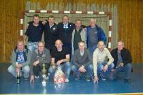Celkovým vítězem výborně obsazeného turnaje seniorů v sálové kopané se stali fotbalisté bruntálského Slavoje.