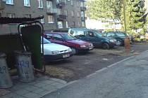 Obyvatelé sídliště Ve Svahu ve Vrbně pod Pradědem považují navrhované architektonické řešení v okolí svých domů za nepřijatelné a sepsali proti němu petici.
