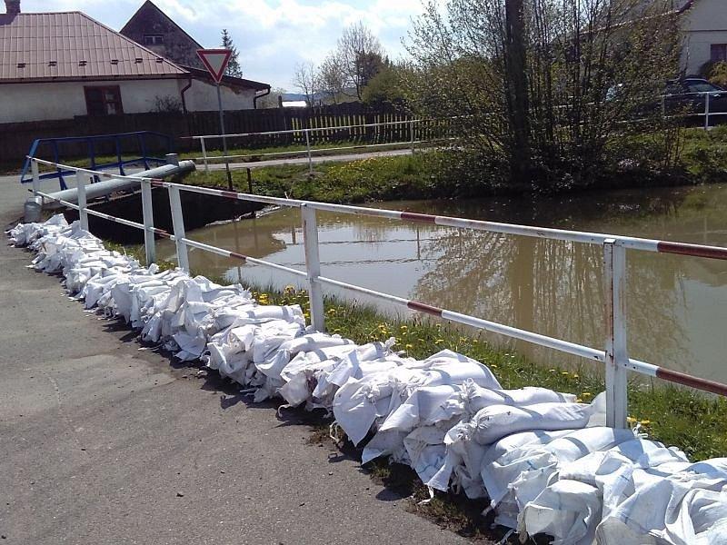 Řeky Opava, Opavice i Moravice se v našem okrese obešly bez oficiálního vyhlášení povodňové bdělosti. Přesto hasiči, strážníci i starostové zažili několik perných dní.