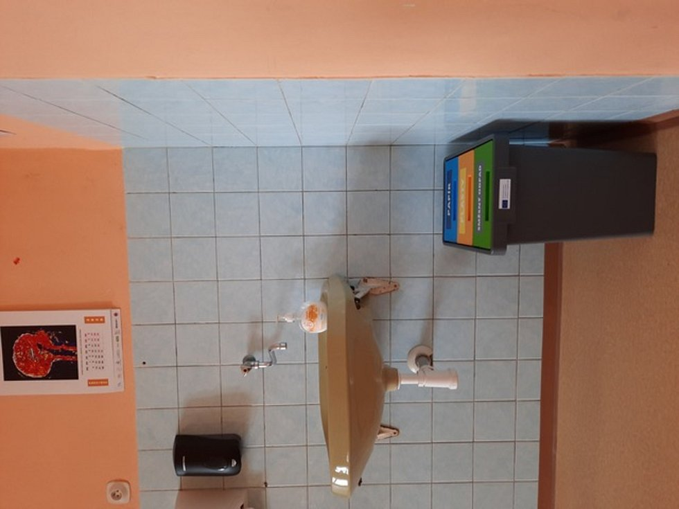 Studenti prosadili třídění odpadu na krnovském Gymnáziu.