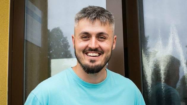 Adam Šimůnek je ředitelem malotřídní školy a mateřské školy v Branticích. Není už na čase zohlednit rozdíl mezi malotřídkami a úplnými školami?