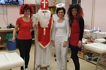 V Bruntálu se na dárce krve a plazmy těší zdravotníci, čerti, andělé a Mikuláš.