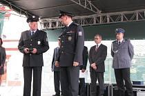Bývalý ředitel bruntálské policie Tomáš Tuhý (vpravo) odešel na vyšší post, ve vedení jej vystřídal Milan Grček (vlevo).