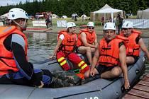 Slezská Harta prověřila kondici hasičů a vodních záchranářů.