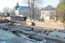 Barvířské řemeslo v Krnově kvetlo už před staletími. Svědčí o tom nejen jména Soukenické a Barvířské ulice, ale také areál barevny Soukenické společnosti, který odkryli archeologové. Zájemci si ho mohou prohlédnout ve středu od 15 do 16.30 hodin.