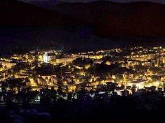Ve Vrbně pod Pradědem mají elektrické osvětlení od roku 1910. Nyní probíhá modernizace veřejného osvětlení v celém městě.