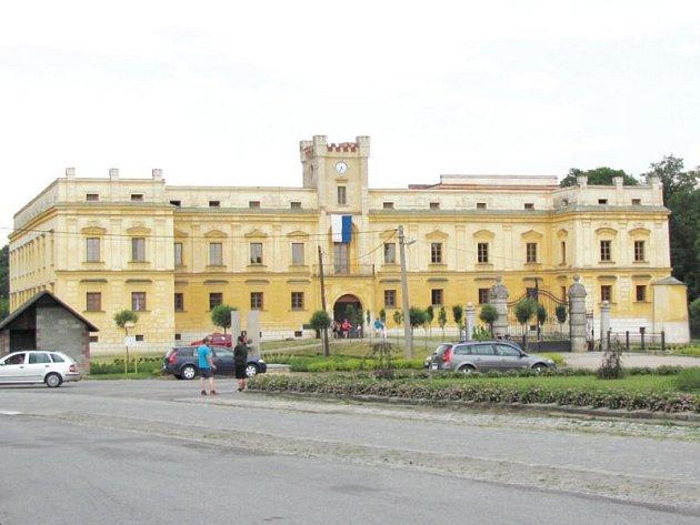 Zámek Slezské Rudoltice. Ilustrační foto.