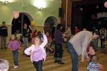 Krnovské Středisko volného času Méďa uspořádalo pro své nejmenší návštěvníky akci Svátek hraček, která se odehrála v sobotu 14. listopadu 2009.