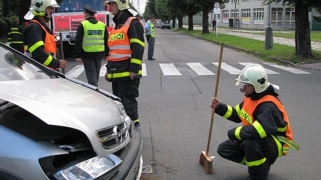 Zatím poslední nehoda se na Mikulášské ulici v Krnově stala ve čtvrtek 14. srpna dopoledne.
