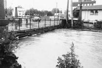 Při povodni se hladina Černého potoka v Bruntále nebezpečně zvýšila.