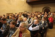 Ředitelství silnic a dálnic ŘSD pozvalo občany do koncertní síně na diskusi o obchvatu Krnova.