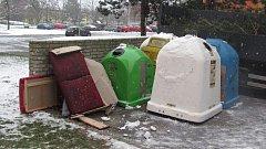 Někteří občané nejsou schopni dávat odpad tam, kam patří. Sběrné dvory jsou přitom v Krnově otevřeny každý den.