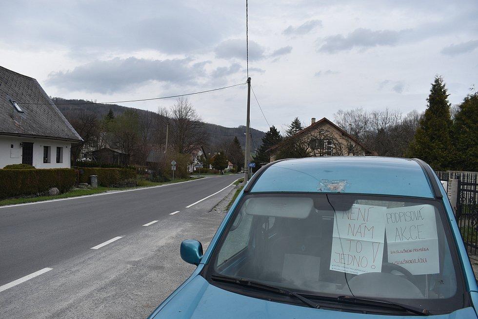 V Petrovicích v okrese Bruntál na petici Milionu chvilek pro demokracii přibylo ve čtvrtek 29. dubna pět podpisů.
