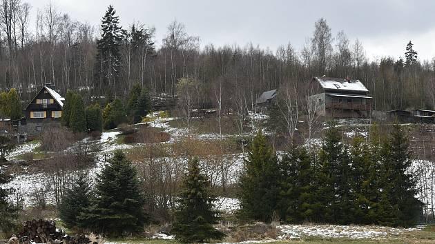Před vybudováním Slezské Harty bývala Nová Pláň součástí Karlovce a pak Bruntálu. Dnes patří k nejmenším obcím v České republice.