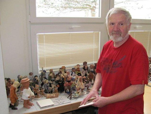 Keramik, učitel, kastelán, výtvarník, organizátor výstav, všeuměl, workoholik a čerstvý šesedátník Jaroslav Hrubý je stále obklopen dobrými lidmi, díky kterým se cítí šťastný.