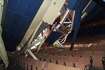 Střecha bruntálského kina spadla ve chvíli, kdy zbývalo jen pár hodin do hlavního představení ve velkém sále.