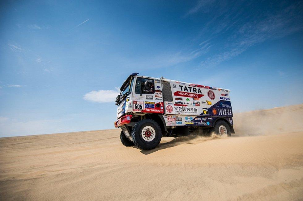 Phoenix Martina Kolomého na letošním Dakaru pokračuje dál, kvůli technické závadě však nabral velkou ztrátu.