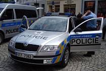 Na krnovském náměstí proběhla i ukázka policejních aut.
