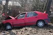 Až o strom se zastavil šestadvacetiletý řidič v Rýmařově, kterému policisté posléze naměřili přes dvě promile alkoholu.