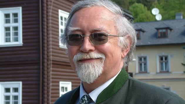 Spisovatel Ota Bouzek.