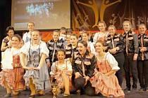 Taneční kroužek Country Dance Montana z Horního Benešova se již nemohl dočkat finále mezinárodní taneční soutěže Motion in action Prague 2014, konané pod záštitou sdružení Děti fitness aneb sportem proti drogám a závislostem.