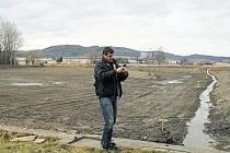 Celkem 29 tisíc kubíků bylo odvezeno ze dna rybníku Celňák ve Městě Albrechticích.