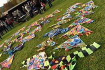 Drakiáda v Mnichově u Vrbna pod Pradědem přinesla spoustu zábavy, soutěží a také zápis do České knihy rekordů. Rekordní drak měl ocas z  3025 balonků nafouknutých vzduchem místo helia.